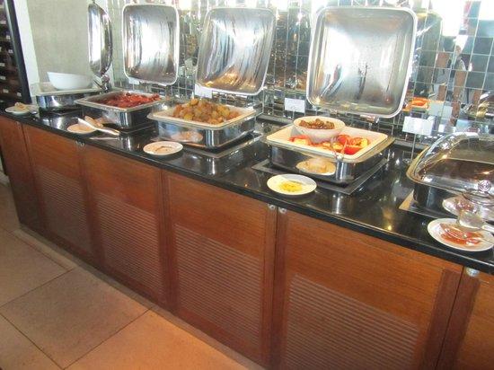 Hotel Grande Bretagne, A Luxury Collection Hotel: Breakfast buffet