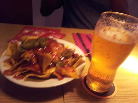 Big Al's American Kitchen: BBQ Nachos (sorry so fuzzy was very excited