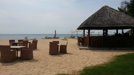 Eden Resort: Beach view