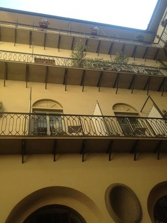 Palazzo Galletti : view to the romm terraces from the inner courtyard