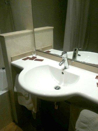 Hotel Placa de la Font: Lavabo