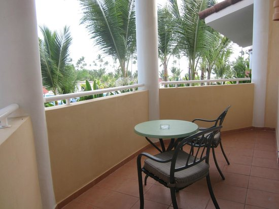 Luxury Bahia Principe Ambar Blue : Balcón y vista parcial