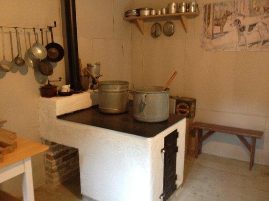 Franja Hospital: the kitchen