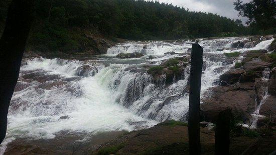 Pykara Lake and Pykara Falls: Good