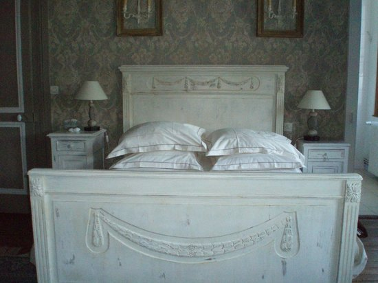 Chambre d'Hotes Cap et Marais d'Opale: double bed in family room