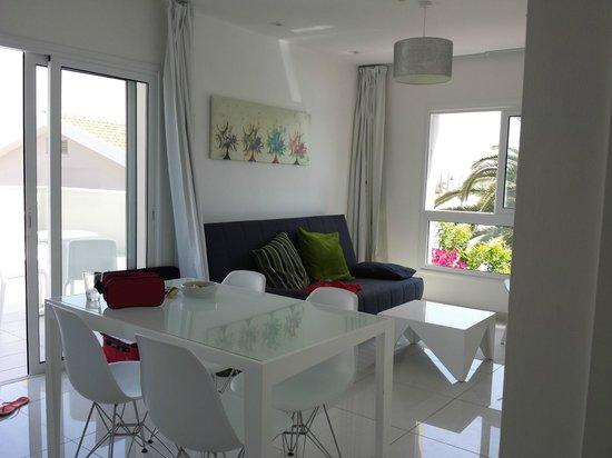 Mon Repos Design Hotel : Vardagsrummet