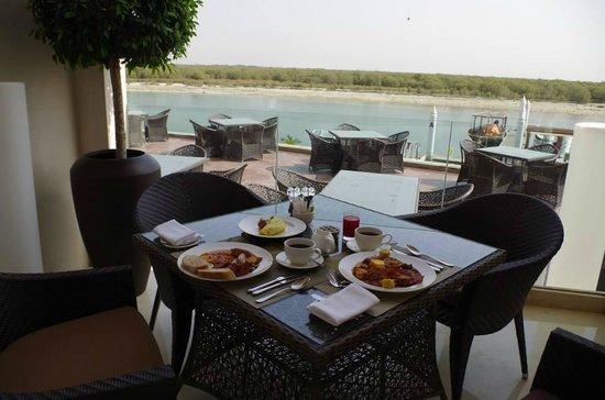 Anantara Eastern Mangroves Hotel & Spa: breakfast
