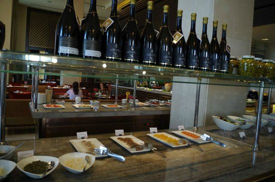 Anantara Eastern Mangroves Hotel & Spa: dining