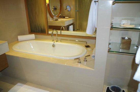 Anantara Eastern Mangroves Hotel & Spa: bathroom