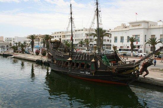 Hotel El Ksar : Excursion: Pirate Ship Family Trips