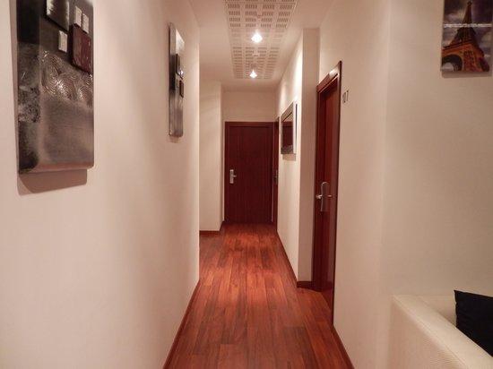 Pension San Ignacio Centro: pasillo habitaciones