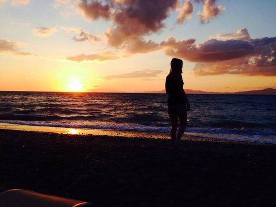 Amathus Beach Hotel Rhodes: Sunset on private beach
