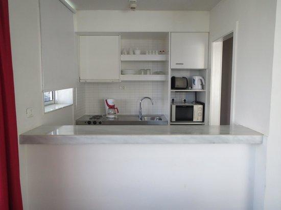 Sunprime Coral Suites And Spa: Køkken.