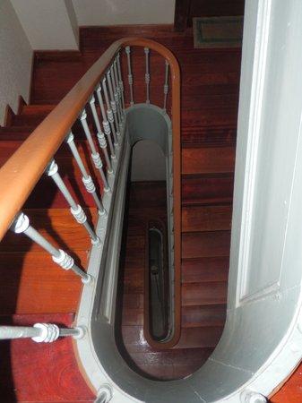Hotel Lisboa Tejo: escaleras apartamento