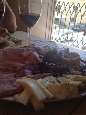 """Gastronomia Il Cervo: Tagliere """"Il Cervo"""""""