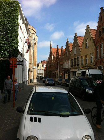 Hotel Navarra: Hotel Street.