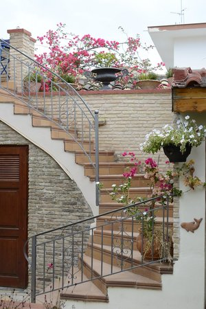 Ganimede Hotel : The staircase to the upper rooms