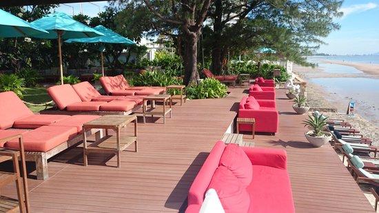 Let's Sea Hua Hin Al Fresco Resort: Beach side restaurant