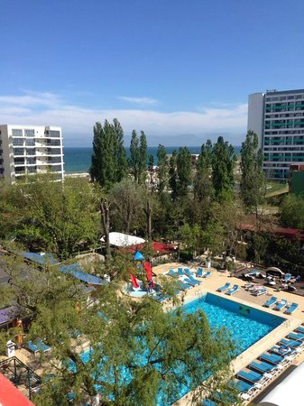 Hotel Majestic Mamaia: View from our room (6th floor)