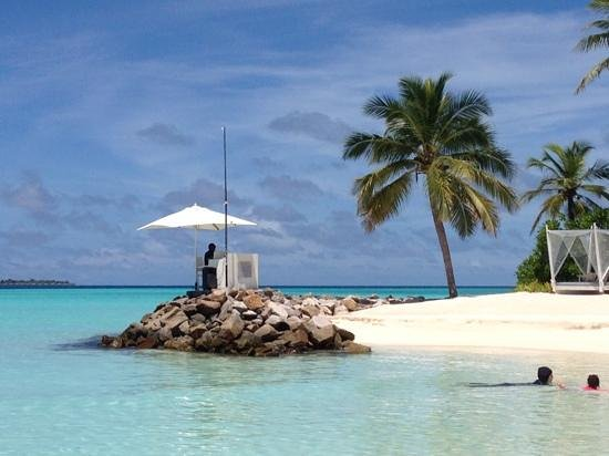 One&Only Reethi Rah : even the Dj has a great spot