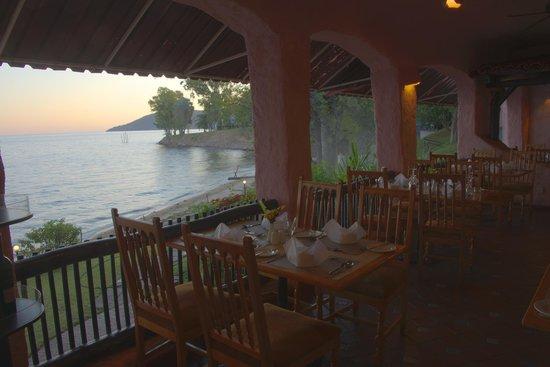 Caribbea Bay Hotel: Restaurant