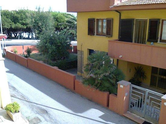 Hotel Rosa dei Venti : vue de la chambre 102