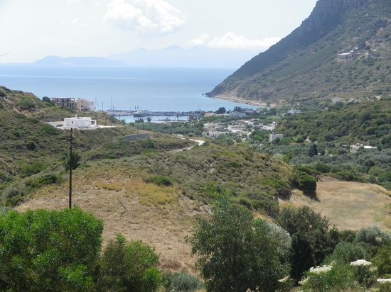 Zeus Hotel : View of harbour from kefalos town
