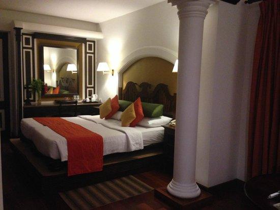 Cinnamon Lodge Habarana: BED ROOM