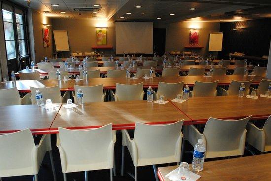 Ibis Dijon Gare : Salle de réunion