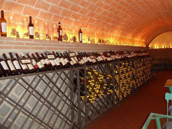 Antico Ristorante Pagnanelli: Amazing wine cellar