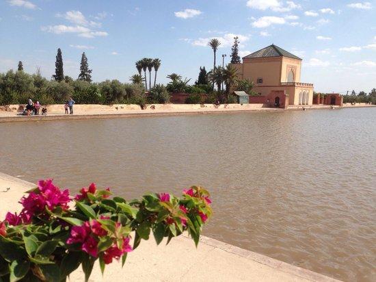 Menara Gardens and Pavilion : La cisterna d'acqua ai Giardini Menara.