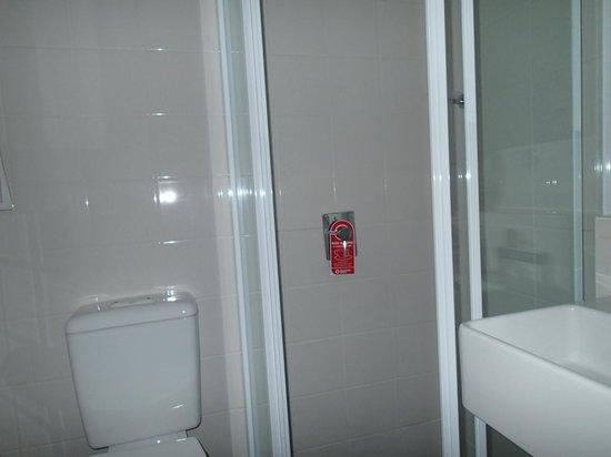 Travelodge Hotel Hobart: バスルーム