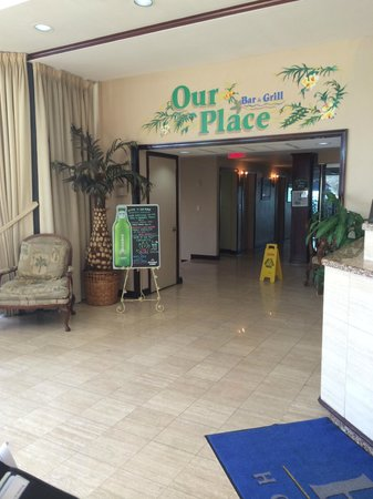Boca Raton Plaza Hotel and Suites: Dining
