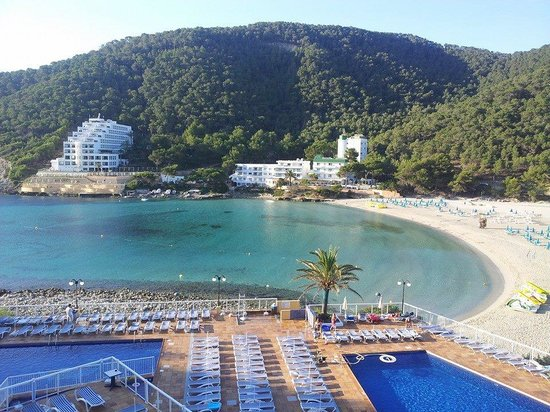 Sirenis Cala Llonga Resort: The view from our room