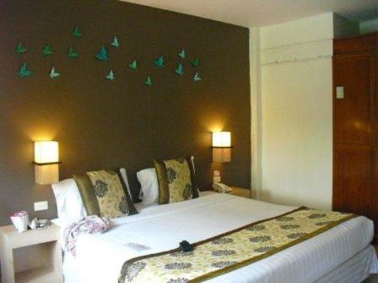 The Viridian Resort : bedroom