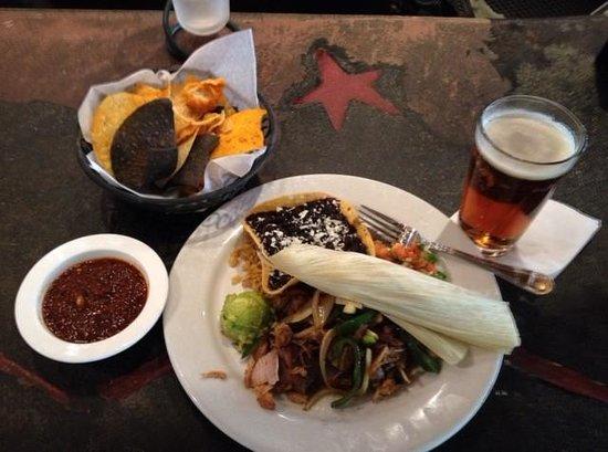 Canyon Cafe: Chips & Salsa, Pork Carnitas, & Beer