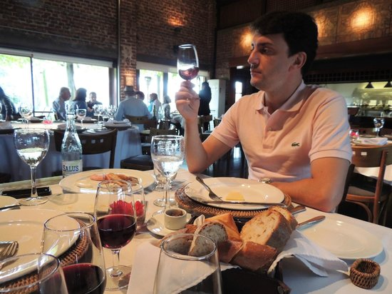 Bodega Bouza: Vinhos medianos