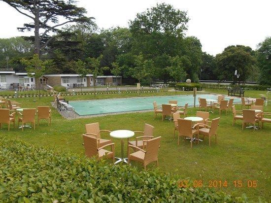 Warner Leisure Hotels Gunton Hall Coastal Village: Village Square Games Area