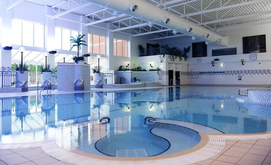 25 metre swimming pool picture of village hotel manchester bury bury tripadvisor for Manchester hotel swimming pool