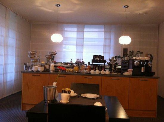 Hotel Maximilians: Завтраки