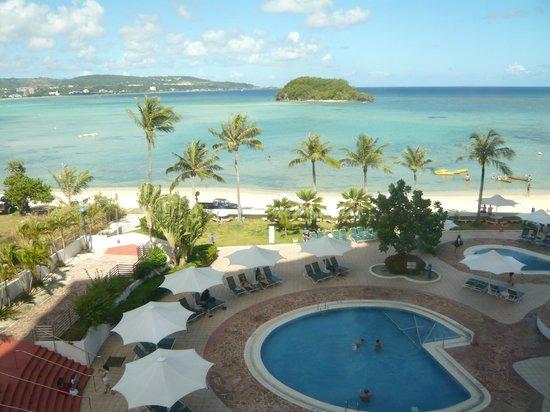 Onward Beach Resort: プール&ビーチ