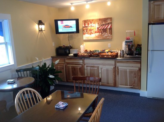 Schooner Bay Motor Inn : New breakfast room