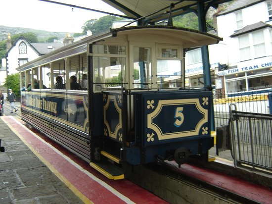 Great Orme Tramway: Victoria Station