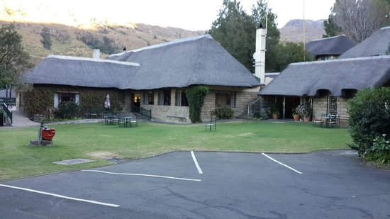 Cavern Drakensberg Resort & Spa: Reception and Dining Rooms