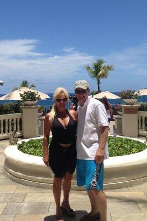 Frenchman's Reef & Morning Star Marriott Beach Resort: Hotel entrance