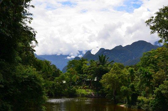 Miri District, Malasia: General view of Mulu Mountains