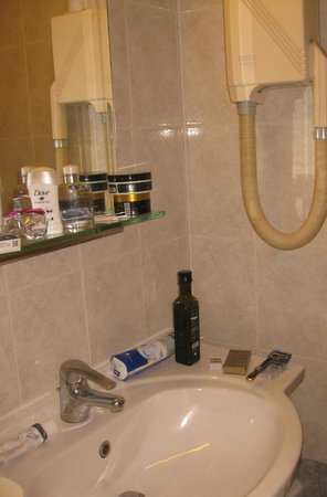 Elina Hotel Apartments : ванная комната