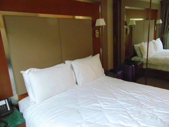 Dosso Dossi Hotel Old City: Bett