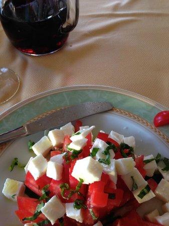 Il Nido Hotel Sorrento: Caprese salad