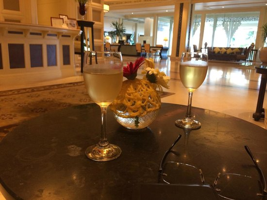 Dusit Thani Hua Hin : Welcome Drink by a Thai Herb cool drink, nice!